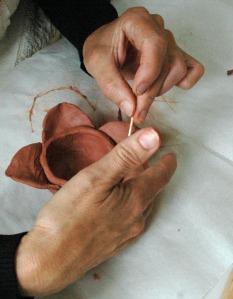 molding hands